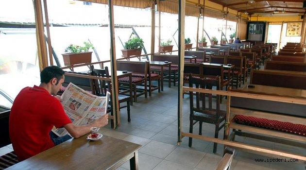Restoranların 'bir kısmı açık' alanlarında da sigara içilemeyecek